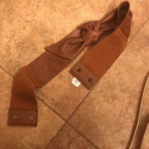 Accessories - Adorable brown faux leather belt